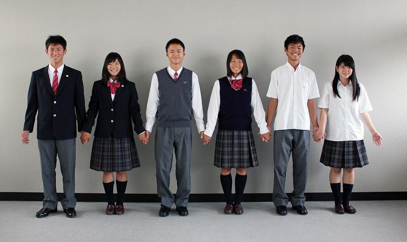 四国学院大学香川西高等学校制服画像